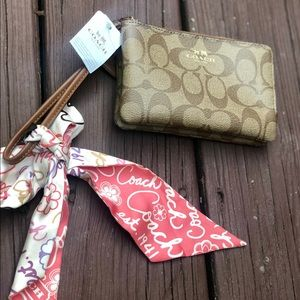 New with tags Coach logo double zip wristlet